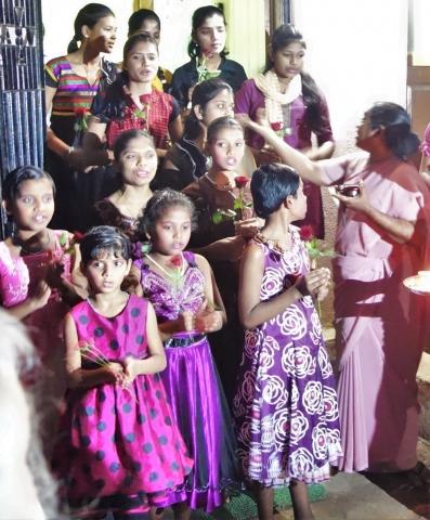 Straßenkinder-Heim für Mädchen: Begrüßung