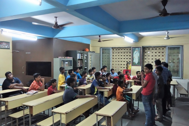 Straßenkinder-Heim für Jungen: Unterrichtsraum