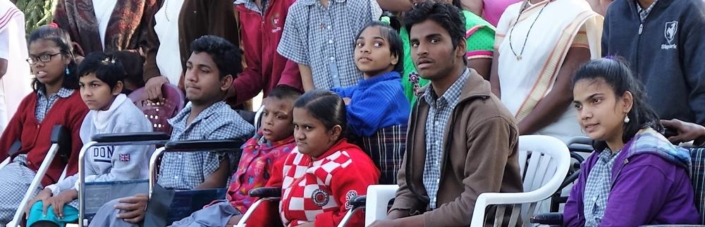 Kinder bei einer Vorführung