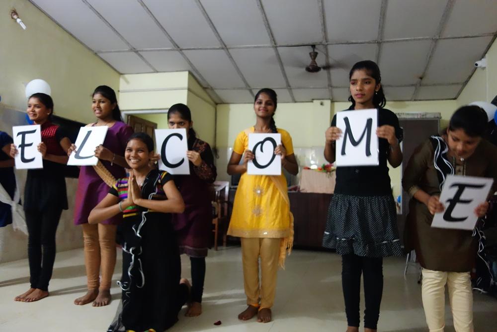 Straßenkinder-Heim für Mädchen: Willkommensgruß