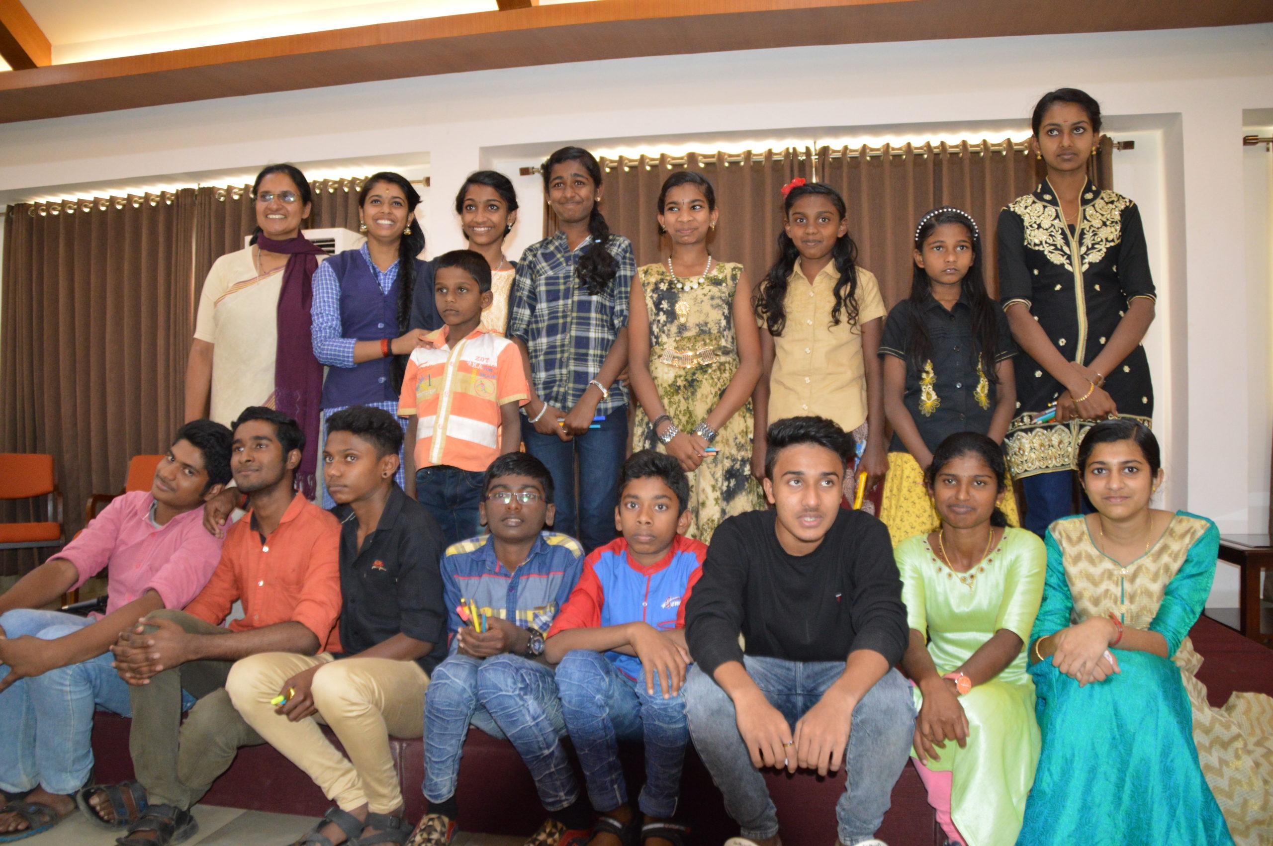 Schule für benachteiligte Kinder in den Bergen Munnars